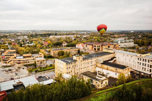 ballontur over en by